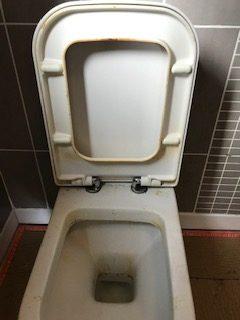 Toilet 1a